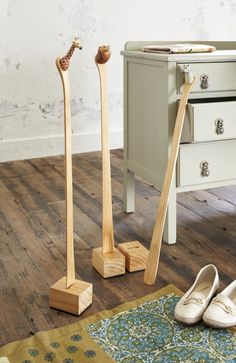 wooden shoehorn