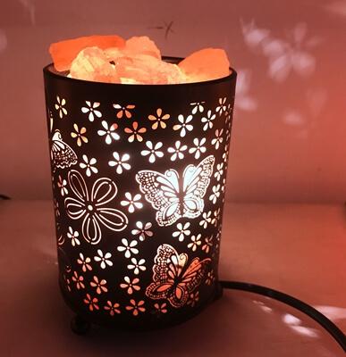 Himalayan Salt Lamp With Salt Chunks In Cylinder Design Metal Basket