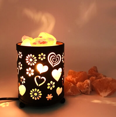 Salt Lamp With Salt Chunks In Cylinder Design Metal Basket
