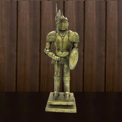 antique-medieval-knight-armour-model 1